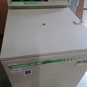 Sorvall RC-3C Plus in perfect condition upto 6 liter Low speed Floor Centrifuge Sorvall RC-3C Plus in perfect condition upto 6 liter Low speed Floor Centrifuge